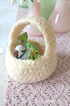 Osterschaf, Osterdeko, Häkelkorb, DIY, Anleitung, Filzkorb, Osterkorb, Lindt Schaf, Schokoschaf, easter decoration, chocolade sheep, easter basket, felted crochet basket, Landleben, country life