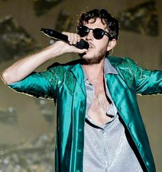 Frontman Max Colombie van 'Oscar and the Wolf'
