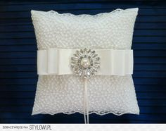 wedding rings bearer pillow