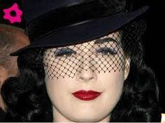 Resultado de imagem para chapéus com véu