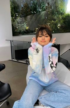Selena Gomez Picture via story insta 🌺 hier ou aujourd'hui 🖤 Selena Gomez Fashion, Selena Gomez Fotos, Selena Gomez Outfits, Selena Gomez Pelo Corto, Selena Gomez Trajes, Style Selena Gomez, Selena Gomez Pictures, Selena Gomez Bangs, Selena Gomez Tattoo