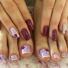 31 fotos de unhas decoradas com esmalte roxo Pretty Toe Nails, Cute Toe Nails, Toe Nail Art, My Nails, Acrylic Nails, Grow Nails, Summer Toe Nails, Toe Nail Designs, Nail Designs Spring