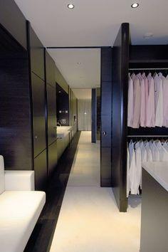 <3 walk in closet
