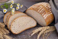 Pão de mandioca  Você conhece os benefícios da mandioca? Além de ser rica em ferro, fibras e minerais, ela ajuda no emagrecimento. Cuide da saúde com essa saborosa receita.  http://www.eusemfronteiras.com.br/adicione-o-pao-de-mandioca-em-sua-dieta/
