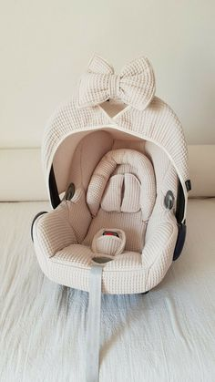 Maxi Cosi Cabrio set - pebble - Want to give your Maxi Cosi Cabrio a new twist? Wazzhappening makes this with a lot of love & passi - Little Babies, Cute Babies, Everything Baby, Baby Needs, Baby Time, Baby Decor, Baby Accessories, Kind Mode, Kids And Parenting