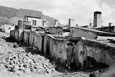 The Spirit of District Six: 32 Interesting Black and White Photographs Capture Everyday Life of Cape Town, South Africa in 1970 ~ vintage everyday Cities In Africa, University Of Cape Town, History Online, Most Beautiful Cities, Country Farm, Historical Pictures, African History, South Africa, Black And White