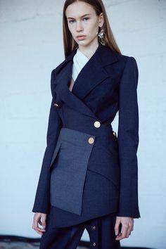 ❤️ classic navy blazer Proenza Schouler womenswear nyfw new york dazed Fall Fashion Outfits, Blazer Fashion, Mode Outfits, Suit Fashion, Chic Outfits, High Fashion, Autumn Fashion, Womens Fashion, Dope Fashion