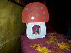 paddestoel lampion Crafts For Kids, Projects To Try, Dolls, School, Diy, Inspiration, Arrows, Lantern, Mushroom