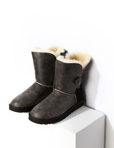 UGG BOOTS & ACCESSORIES All your winter treats from footwear & accessories for women & kids. #ugg