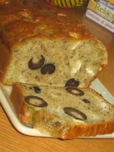 Cake fondant pesto, olives, chèvre