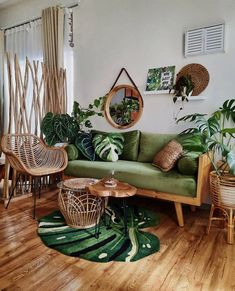 Eclectic Living Room, Boho Living Room, Home And Living, Living Room Decor, Deco Boheme, Lounge Decor, Green Rooms, Home Decor Furniture, Home Bedroom