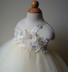 Julie + Michael: DIY Tutu Dress. Ended up being less than $40!! Hhuuummm