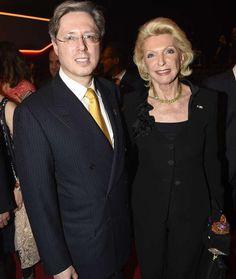 Neue Forbes-Liste: DAS ist der reichste Deutsche - Georg Schaeffler und seine Mutter Maria-Elisabeth im November 2014 bei der Verleihung des Goldenen Lenkrads