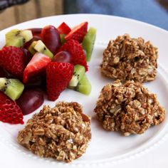 Naturally Sweet: Vegan Banana Oatmeal Breakfast Bites. This looks delicious!