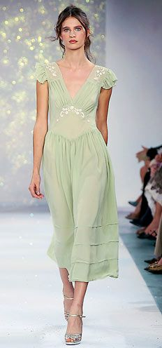Luisa Beccaria Spring/Summer 2006 Look 17 Haute Couture Style, Look Fashion, Runway Fashion, High Fashion, Luisa Beccaria, Mode Style, Style Me, Fru Fru, Mode Outfits