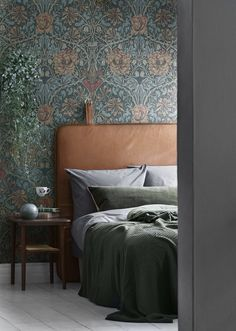vintage inspired floral print wallpaper and a leather headboard are an ideal combo for a moody space wallpaper bedroom Wallpaper Bedroom Vintage, Look Wallpaper, Interior Wallpaper, Wallpaper Decor, Wallpaper Headboard, Print Wallpaper, Wallpaper Ideas, William Morris Wallpaper, Morris Wallpapers