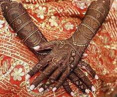 Check beautiful & easy mehndi designs 2020 ideas for mehandi ceremony. Save these latest bridal mehandi designs photos to try on your hands in this wedding season. Arabic Bridal Mehndi Designs, Rajasthani Mehndi Designs, Full Hand Mehndi Designs, Mehndi Designs Book, Mehndi Designs For Girls, Mehndi Designs For Beginners, Mehndi Design Photos, Beautiful Mehndi Design, Dulhan Mehndi Designs