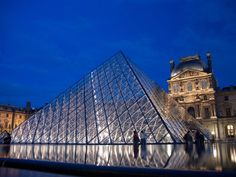 #Louvre #Paris #photo pic.twitter.com/VQiTTIaqEE