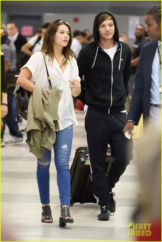 danielle campbell louis tomlinson touch down jfk 07