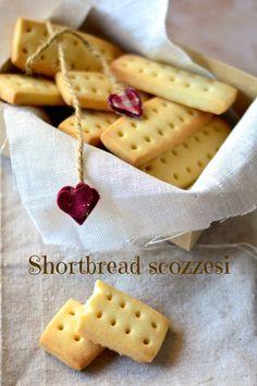Shortbread scozzesi al profumo d'arancia http://lapanciadellupo.blogspot.it/2013/11/shortbread-scozzesi-al-profumo-di.html