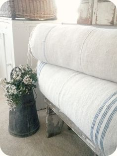 ♥ these bolster pillows
