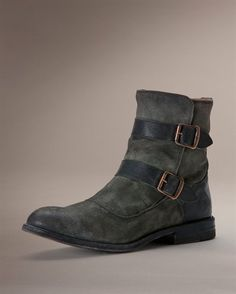 Jayden Moto boots ... I want them in all the colors!