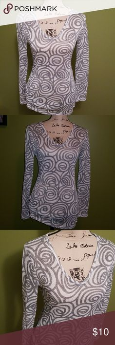 Shimmering Tunic/Dress Shimmering swirls of silver and gray    to help you sparkle!!  Long Sleeves. V-Neck. Thin Material. No lining. Depending on height you may can wear alone with pumps👠 In category below I listed as Tunic.  80%Polyester. 12%Rayon. 8%Metallic. Body Central Tops Tunics