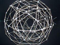 escultura pentagono