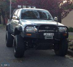 2004 Toyota Hilux VZN167R SR5 MY02