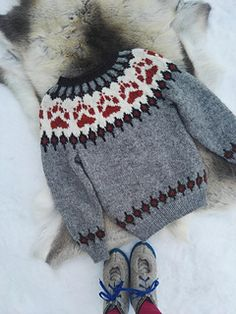 Ravelry: Villmarksgenseren (The Wilderness Sweater) pattern by Linka Karoline Neumann Knitting Projects, Knitting Patterns, Knitting Ideas, Icelandic Sweaters, Baby Patterns, Cable Knit, Wilderness, Ravelry, Knit Crochet