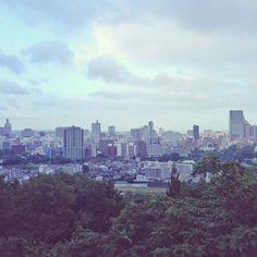 Superbe vue sur la ville de #Sendai depuis le site de l'ancien château de la ville _ by tunimaal #travel #japan