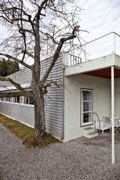 Villa La Lac (Petite Maison), Lake Geneva, Switzerland by Le Corbusier :: 1923-1924 :: build fro his parents