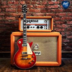 It's Gibsunday! Do you remember Orange amps from the 70's? Here's one paired with a 1980 #LesPaul (from @ecguitars) #Studio33Guitar
