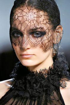 Veils: Daring Black