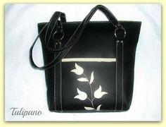 Pakolós és csinos vödör táska fekete-bézsben