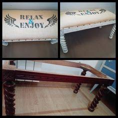 Pie de cama a partir de una mesa de centro. Estarcido manual en tela de arpillera. Estructura en blanco roto decapado y encerado.