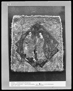 Aumônière Fragment, German, ca 1300. Köln, Schnütgen Museum.