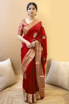 Indian Bridal Outfits, Indian Fashion Dresses, Indian Designer Outfits, Indian Beauty Saree, Indian Sarees, Red Saree Wedding, Wedding Wear, Wedding Gowns, Soft Silk Sarees