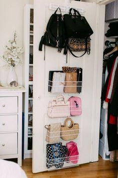 Closet Door Storage: Are You Utilizing This Area? - Storage and Organization Small Bedroom Organization, Small Bedroom Storage, Wardrobe Organisation, Purse Organization, Small Bedroom Hacks, Organized Bedroom, Bedroom Storage Hacks, Bedroom Storage Solutions, Organizing Small Bedrooms