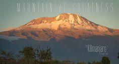 Een team van 10 trailrunners loopt in 8 dagen rond de voet van Afrika's hoogste berg, Kilimanjaro.#running #hardlopen