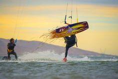 @hniembro @kangarookiteperu • • • #kitesurfing #kitesurf #photography #sunset #sunsetphotography #kite #kiteboarding #kitesurfers #peru Ocean And Earth, Sunset Photography, Mother Earth, Peru, To Go, Fair Grounds, Adventure, Nature, Travel