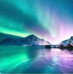 Fotos espectaculares capturan la belleza magnética de Noruega Norway photos by Even Tryggstrand show the beauty of this country Beautiful Sky, Beautiful Landscapes, Beautiful World, Beautiful Lights, Lofoten, Night Photography, Nature Photography, Happy Photography, Landscape Photography