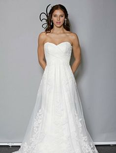 Bridal Gowns: Anne Barge A-Line Wedding Dress with Sweetheart Neckline and Natural Waist Waistline