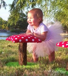 Whimsical Polka Dot Toadstool Mushroom Chair tree play house dollhouse doll artificial grass kids frog furniture indoor/outdoor fort birthday gift kid fairy forest green tea party celestial childrens fairies vintage land retro hobbit gnome room decor NEW
