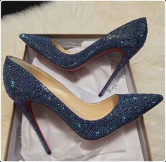 stiletto heels with bow Stilettos, Stiletto Heels, Pumps, Dream Shoes, Crazy Shoes, Me Too Shoes, Wedge Heels, High Heels, Shoe Boots