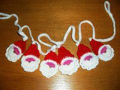 Ravelry: Santa Garland pattern by Handmade by Shazza Free Crochet, Knit Crochet, Christmas Crochet Patterns, Pattern Mixing, Craft Work, Ravelry, Garland, Free Pattern, Crochet Earrings