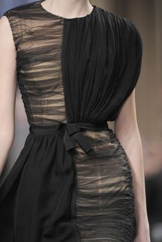Simple Complexity - beautiful use of fabric manipulation to create contrast; horizontal & vertical gathering on two types of black fabric, sheer & opaque: Giambattista Valli Couture Fashion, Runway Fashion, High Fashion, Fashion Show, Womens Fashion, Fashion Fashion, Mode Costume, Fashion Details, Fashion Design