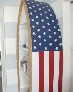 Boat shelf painted with an American flag design and rope edging: http://www.completely-coastal.com/2011/03/homemade-decorations-crafts.html A patriotic shelf makeover!