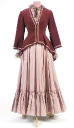 JANE SEYMOUR COSTUME FROM DR. QUINN MEDICINE WOMAN. I totally wish it was okay to wear stuff like this!