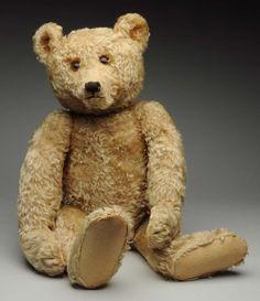 This large Steiff bear has jointed arms and legs. Ear button is present. Old Teddy Bears, Antique Teddy Bears, Steiff Teddy Bear, My Teddy Bear, Boyds Bears, Love Bear, Big Bear, Teddy Bear Pictures, Charlie Bears